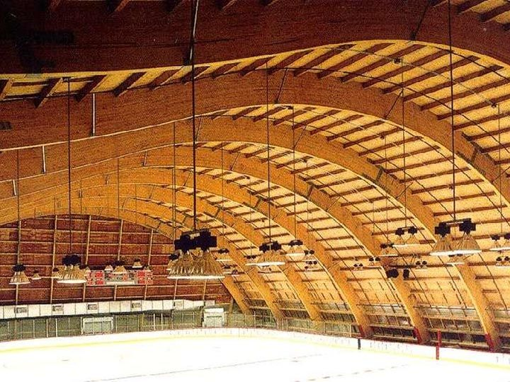 Arena Structure Using Curved Glue Laminated Timber Glued