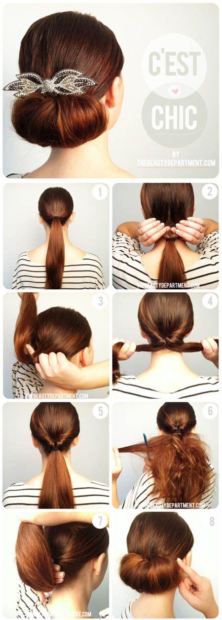 Cara ini gampang. Ikat rambut, buat lubang dan masukkan, sasak untuk membuat volume, lalu gulung dan sematkan aksesoris cantik.