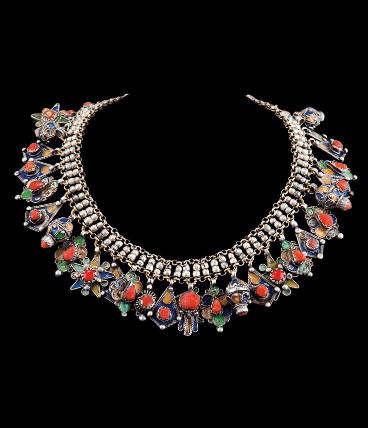 Algeria | Necklace; Silver, coral, enamel cloisonné, blue, ochre and green | Est. 1300 - 1400€ ~ (Sept '13)