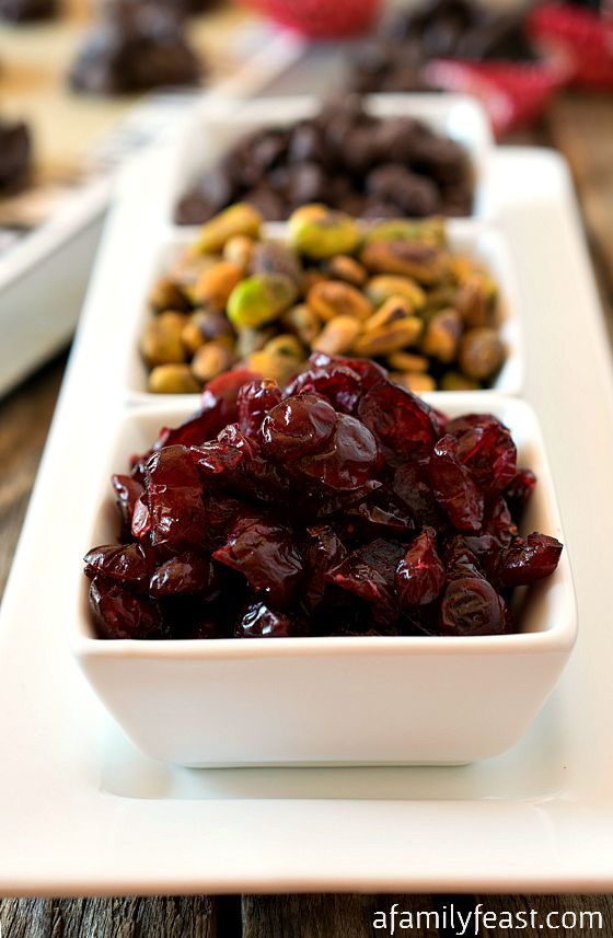 Craisins® Pistachio Dark Chocolate Clusters - A delicious sweet treat to help you become a #LunchboxMaster