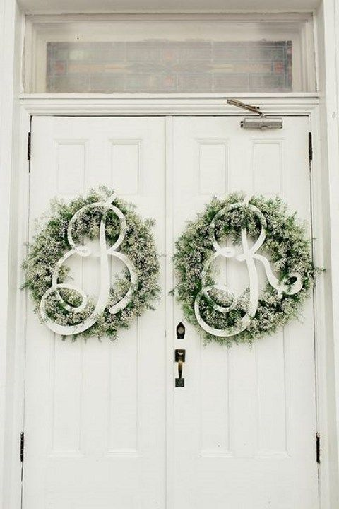 42 Adorable Wedding Wreaths For Any Nuptials | HappyWedd.com