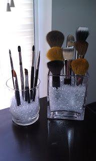 JMC Creations: DIY: Makeup Brush Holder!