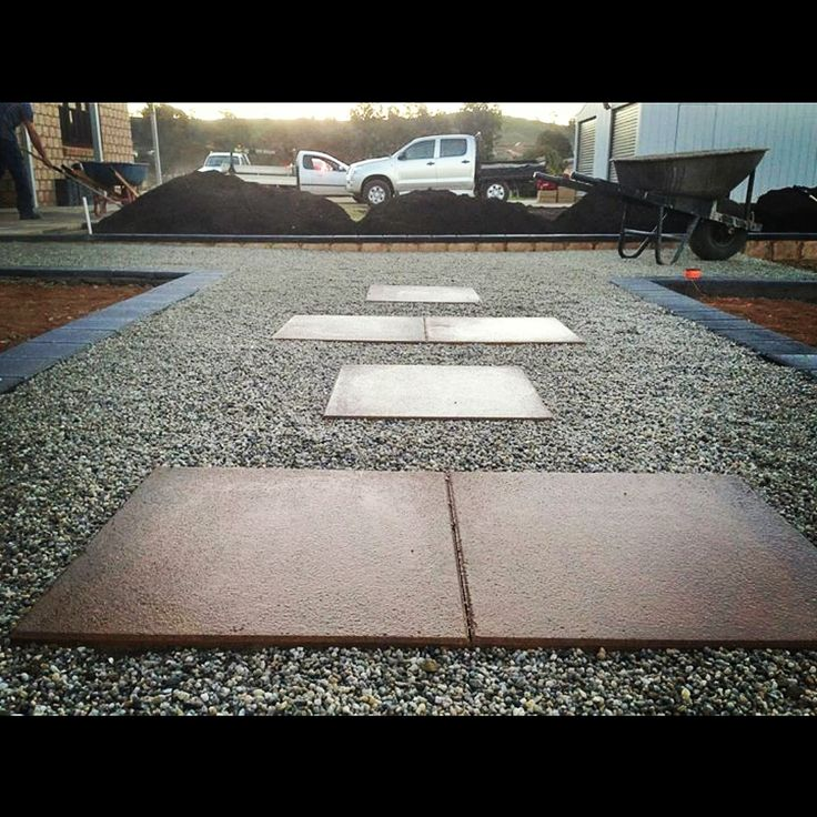 Paved steppers in gravel path by Keystone Landscapes Wagga