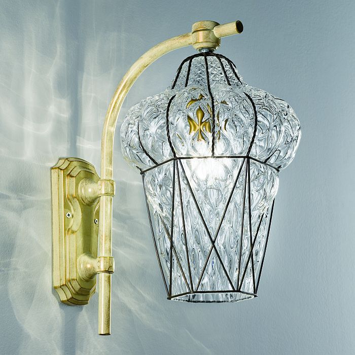 Venetian outdoor wall light with clear crystal diffuser by Siru.