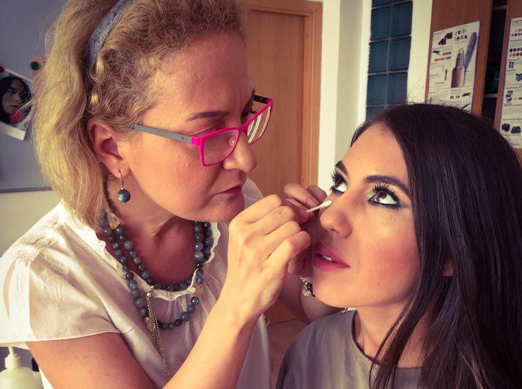 Smokey eyes and summer colors cu Mirela Vescan!