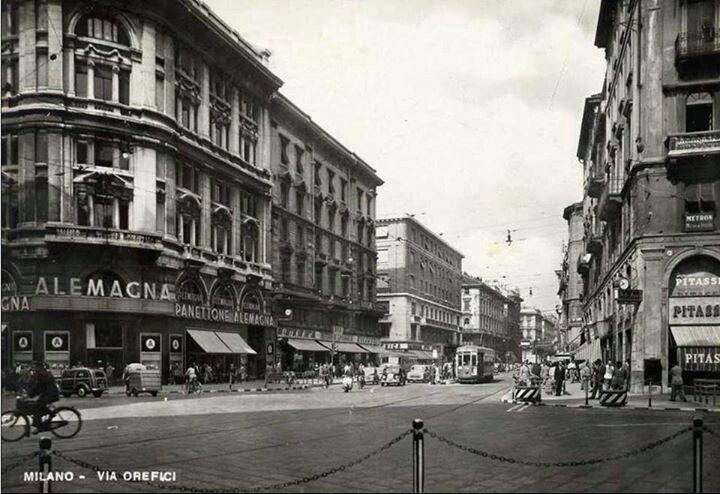 Vecchia Milano via Orefici angolo via Torino anni 50