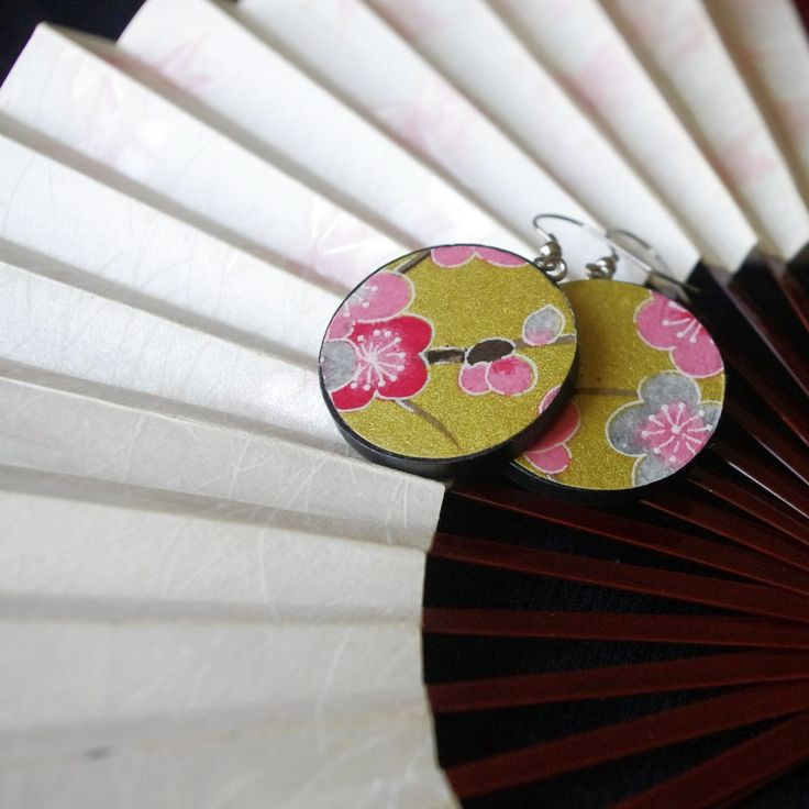 "Beauties from Japan ""Sakura"" - light round wooden earrings with traditional Japanese paper Chiyogami"