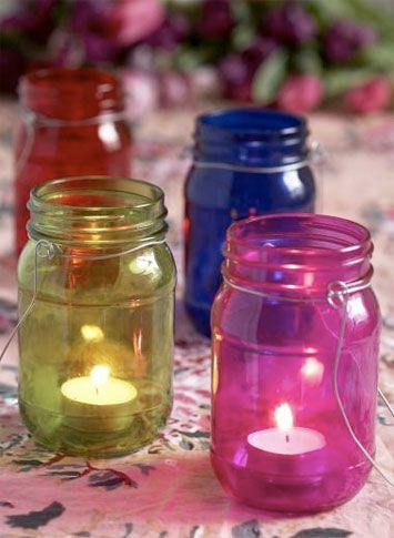 .Frascos de mermelada con velas