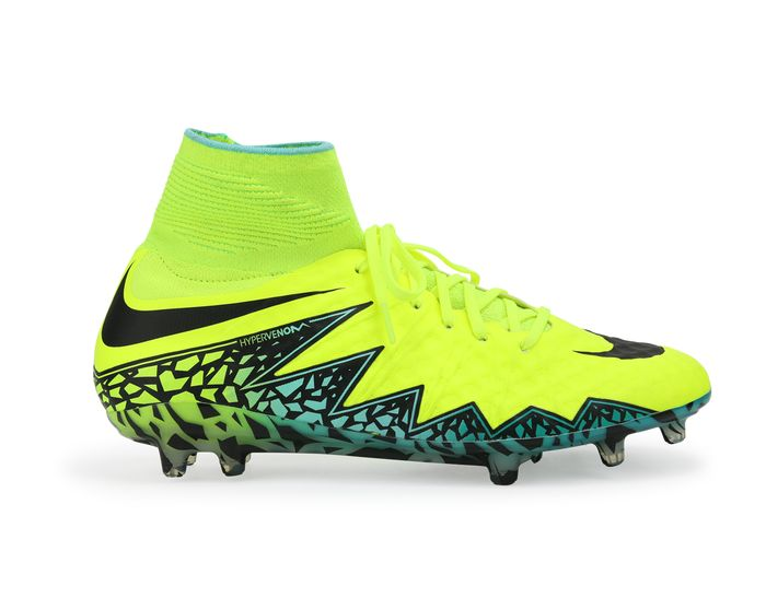 Engineered for the attacking goalscorer, the Nike Hypervenom Phantom II Men's Firm-Ground Soccer Cleat offers maximum agility and barefoot-like touch on the ball.