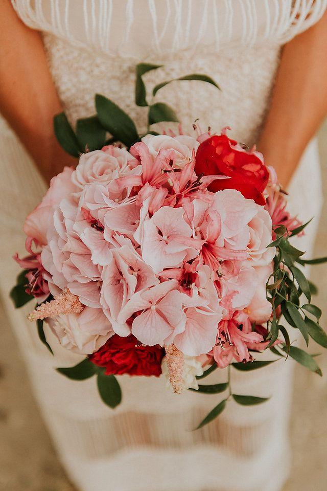 Summer pink bride bouquet in Lefkada by Gouiroti Flowers for Lefkas Weddings ©kalampokasfotografia(88).JPG