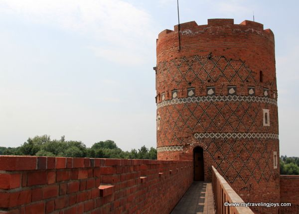 One of the towers at the medieval Castle of the Dukes of Mazovia (Zamek Książąt Mazowieckich) in Ciechanów. #castle #Poland