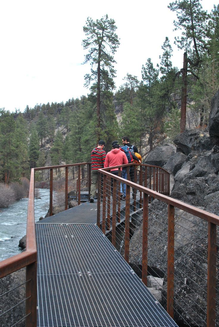 Hiking In Bend Oregon Along The Deschutes River Room To Ramble Oregon Travel Oregon Bend Oregon