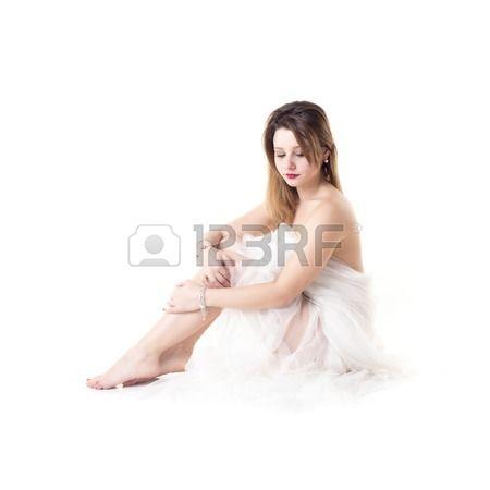 #aspettami #accattivante #sfondo #bellissima #bellezza #corpo #tranquillità #cura #caucasica #cosmetici #viso #femmina #ragazza #capelli #mano #salute #salutare #igiene #isolato #dama #legs #gambe #stile di vita #massaggio #naturale #persone #perfetto #puro #rilassarsi #relax #rilassante #seduto #pelle #liscio #centro termale #terapia #tatto #asciugamano #trattamento #ceretta #welness #bianco #donna #giovani