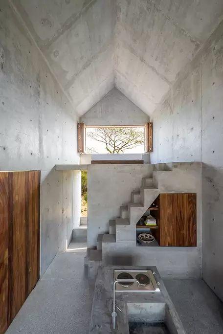 Concrete Architecture / Minimalist Interiors