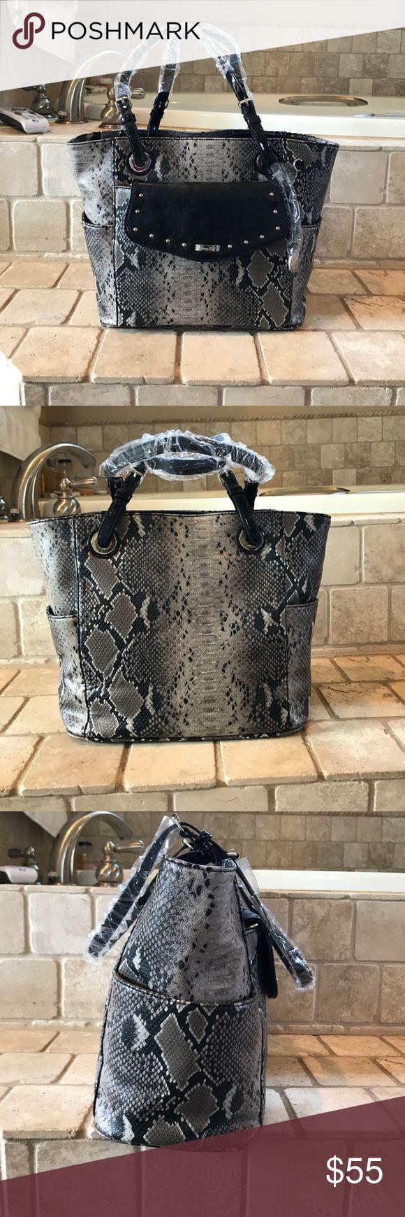 Snakeskin Grace Adele purse Faux snakeskin gray Grace Adele purse brand new. Grace Adele Bags Shoulder Bags