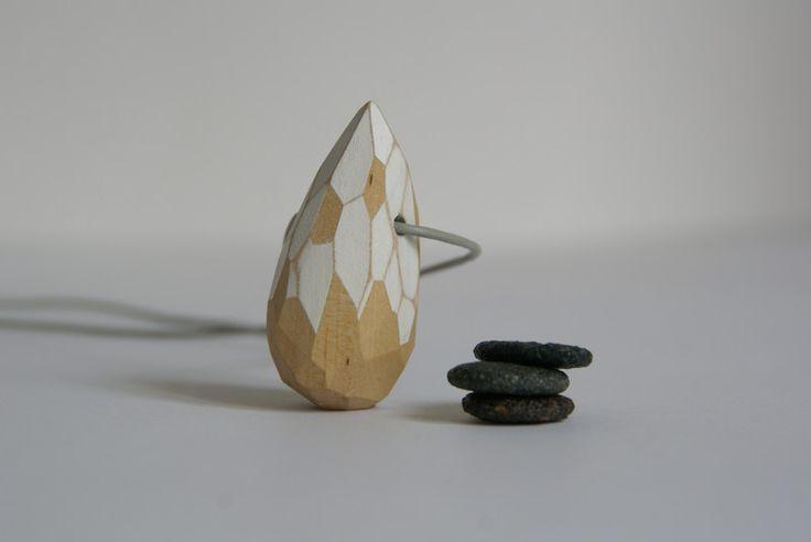 Wisior drewniany, fasetowany w SZLIFY na DaWanda.com / Wooden pendant