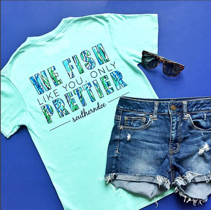 Love a day on the boat! Need this for our next trip! Southerndoe Fish Prettier Tee