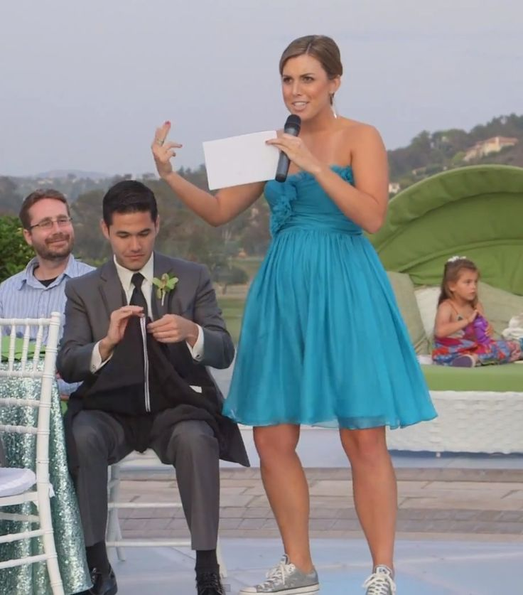 Bridesmaid of the CENTURY! Click to watch her epic toast.