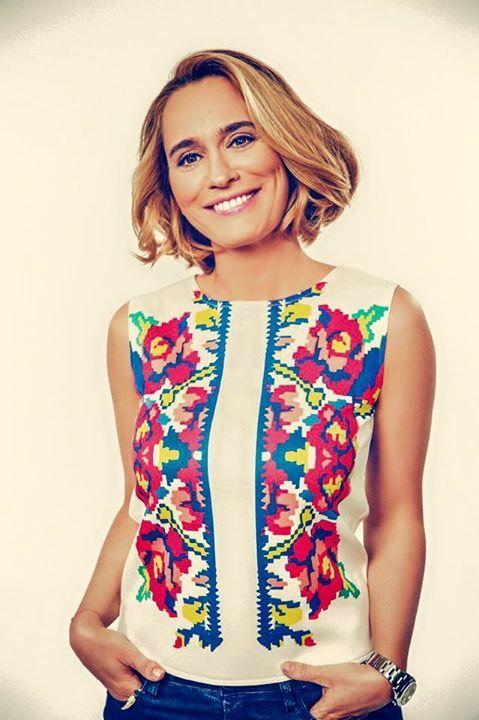 Andreea Esca, TV host Carpet Diem Vest by Lana Dumitru  #lana #dumitru #lanadumitru #digitalprint