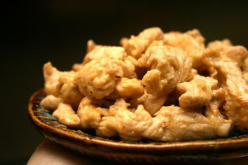 Bifes de perú com gengibre e leite de coco