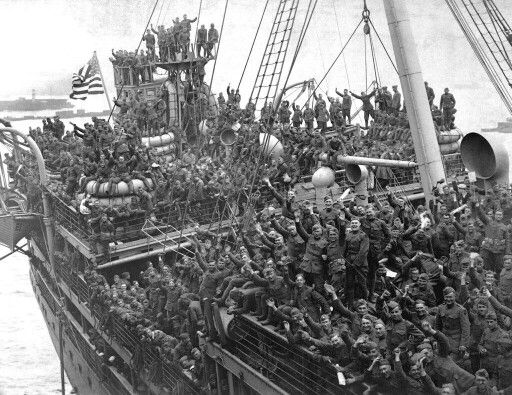 Soldados americanos volviendo a USA al acabar la guerra