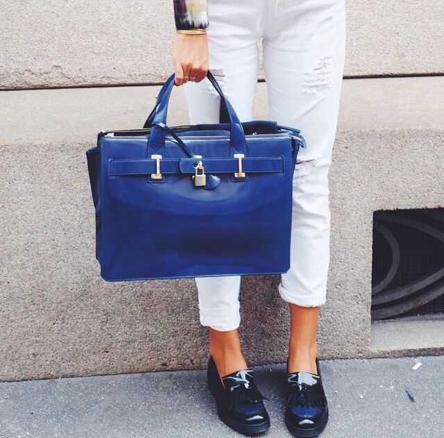 Marina bag and Cyprus loafers by Tosca Blu