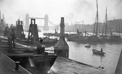 River Thames at Billingsgate Fish Market jetty: 20th century, George Davison Reid