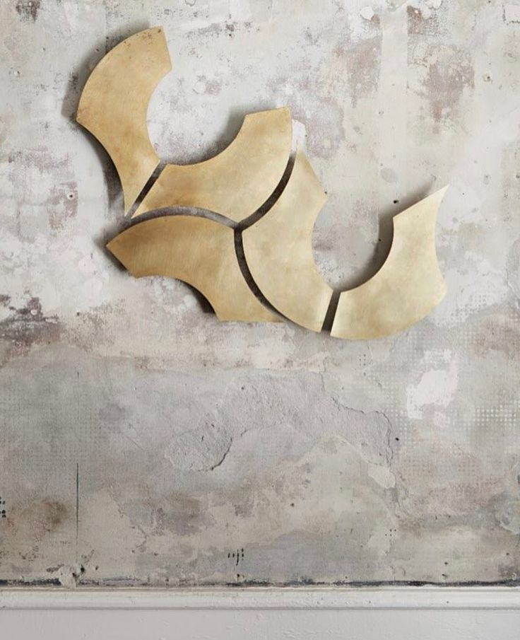 The WOW-effect. Raw. Brass. XOX wall sculpture.