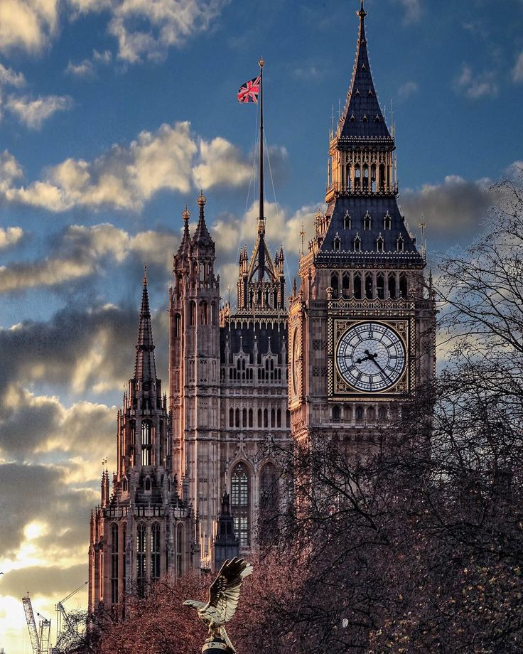 Moody Skies Over Westminster, give a different view of Big Ben. Captured by @levanterman #thisislondon  #elizabethtower  #bigben by london
