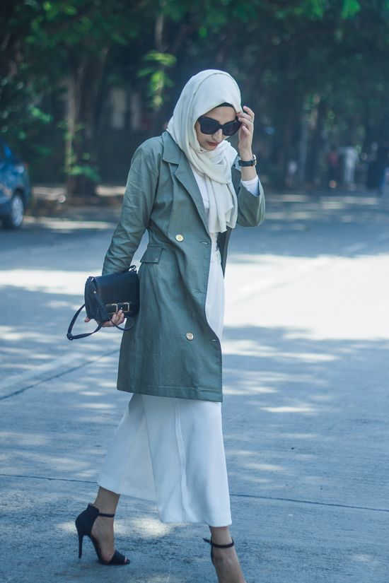 Pinned via Nuriyah O. Martinez | // always make sure your arms and legs are fully covered though, ie including wrists and ankles // india hijab fashion style blog