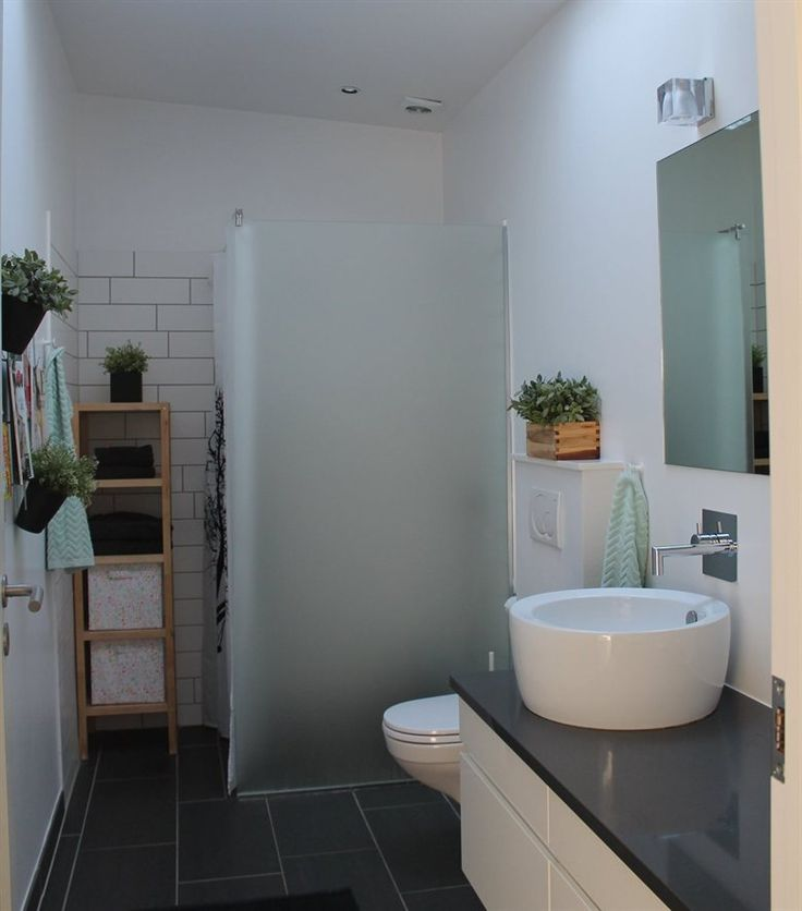 Pot plants in the bathroom – a great way to freshen up the space | Camilla's house in Denmark