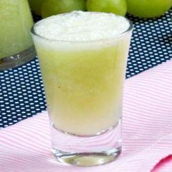 Suco de abacaxi com gengibre e uva verde - Foto: divulgação