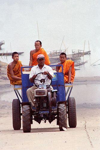 Hitchhikers | ferry crossing @ champasak, laos | boaz arad | Flickr