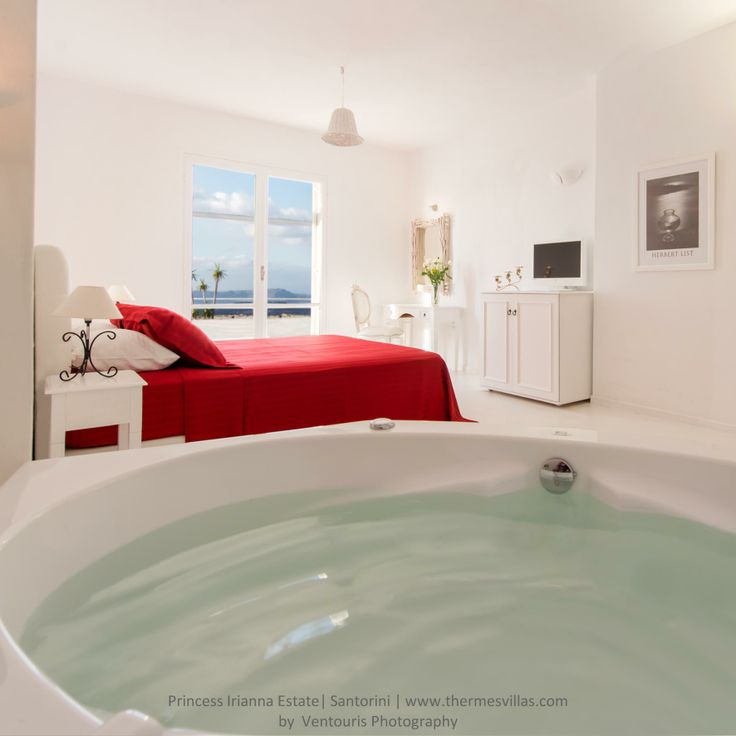 Princess Irianna. Thermes #luxury #Villas #Santorini
