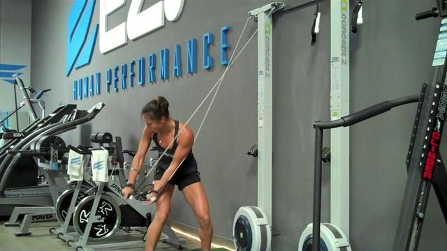 Bianca and Rob show you how to use the SkiErg by Concept2.