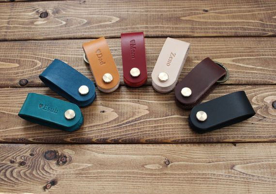 Personalized Leather KEY HOLDER, Key folder, key chain, Great gift ideas!