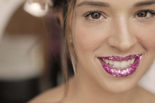 Maquiagem feita por Vanessa Rozan na vlogger do Closet da Mari, fotos: Alisson Louback Liceu de Maquiagem