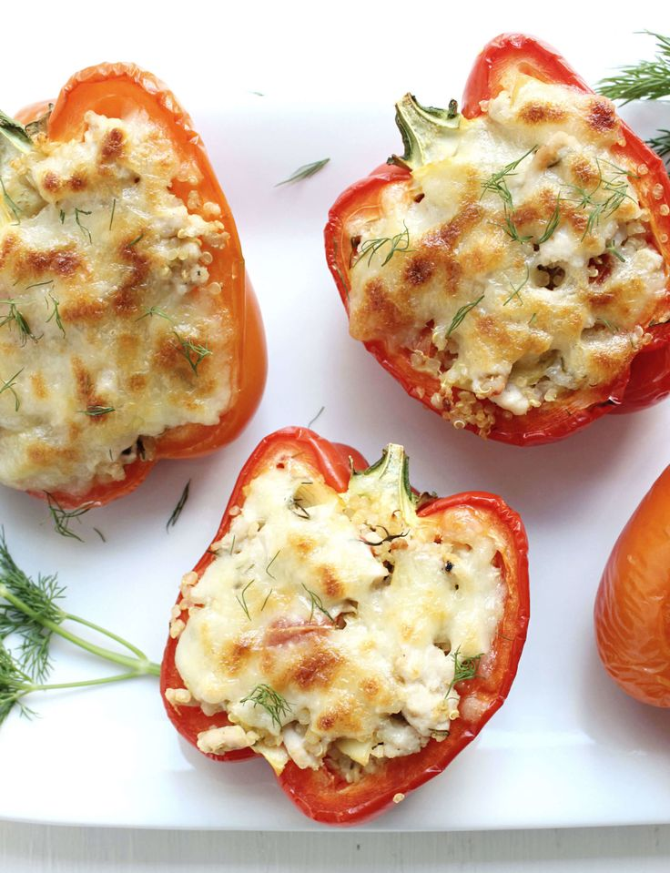 Dinner for Two: Greek-Style Stuffed Peppers! this is a great, go-to recipes for couples looking to eat healthy in a pinch - Just 10 ingredients + 20 minutes of cooking is all it takes! lean, flavorful, and delicious :)