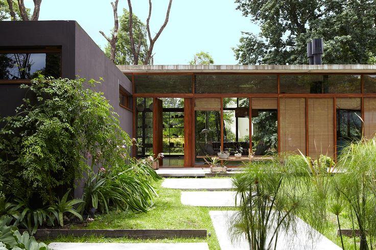 Casa Máspero – 2010 arq. Alejandro Sticotti / arq. Nicolás Tovo / arq. Fernando López Naguil