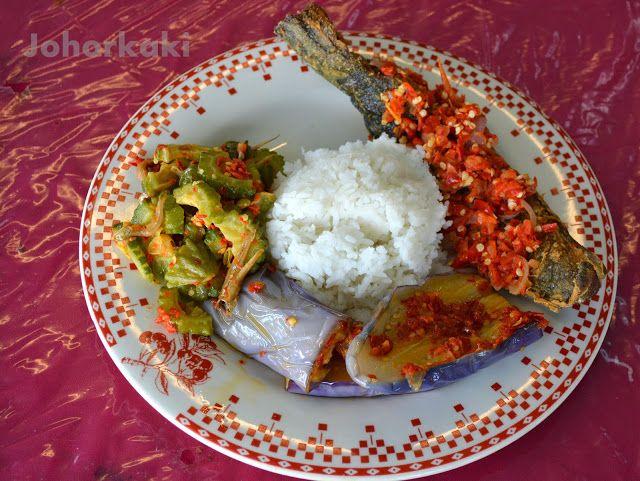 Nasi Padang at Tiram Klasik Corner in Johor Bahru, Ulu Tiram