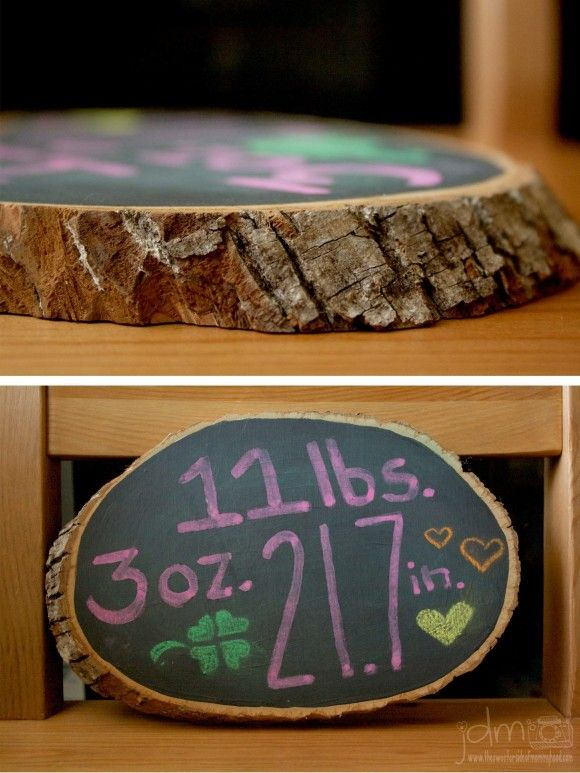 DIY wood slice chalkboard photography prop- so easy and so cheap!   Could use the one like this that we didn't know what to do with.  Paint it with chalkboard paint