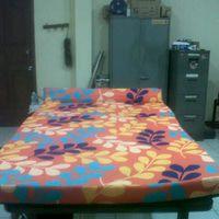 sofabed abstrak motif bunga