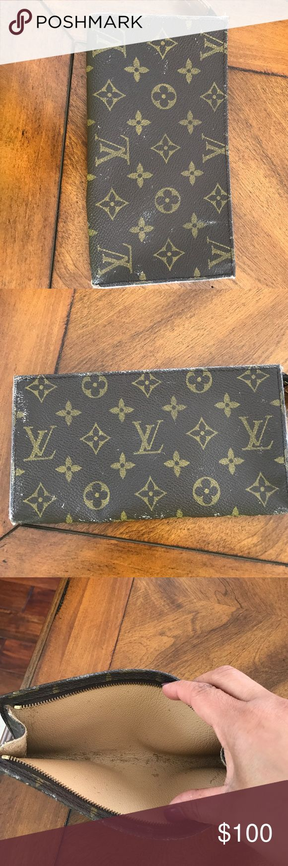 Authentic Louis Vuitton Pochette 100% authentic, minor scuffs on edges but is because my monogram canvas bucket was peeling and the pouch was inside, zipper works, inside it's a little bit of sticky, if you want more pictures let me know. Louis Vuitton Bags Clutches & Wristlets