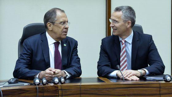 La desconfianza en Moscú lleva a la Alianza a vigilar en su sede de Bruselas al personal del Kremlin y ordenar su reducción