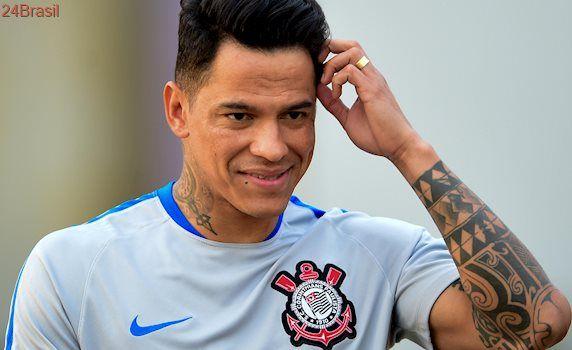Corinthians e Inter encaminham troca de Giovanni Augusto por Valdivia