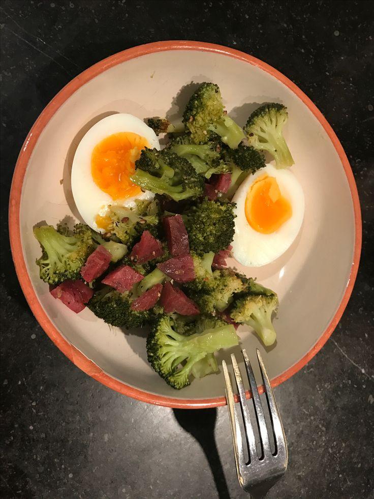 Broccoli met venkelworst en zacht hardgekookt ei (blz 302 Doordeweeks)