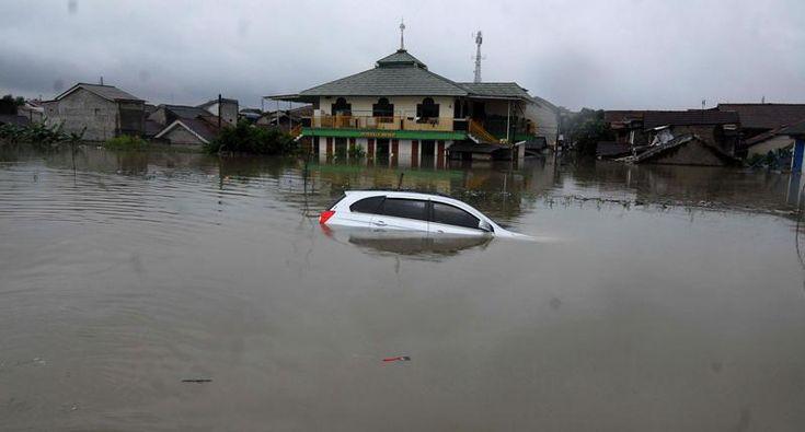 [Populer] Ini Wilayah Jakarta yang Masih Banjir  http://news.metrotvnews.com/read/2015/02/12/357176/ini-wilayah-jakarta-yang-masih-banjir…