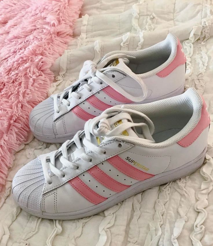 *PINK ADIDAS SUPERSTARS* i love anything pink and gold!  affiliate 
