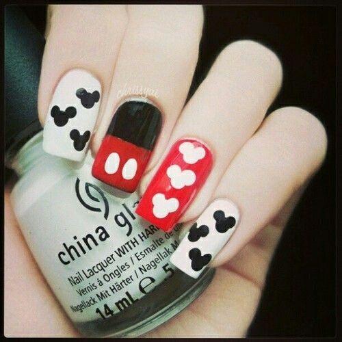 Uñas de Mickey Mouse