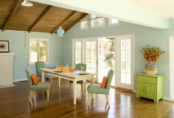 Spring time color dining room idea